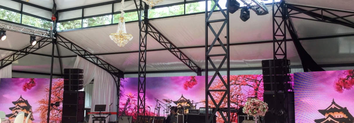 Rent stage equipment for private party in Spain